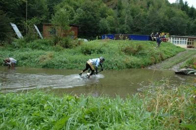 NeoVIze cyklotým, Martin Vrba se koupe v průběhu závodu