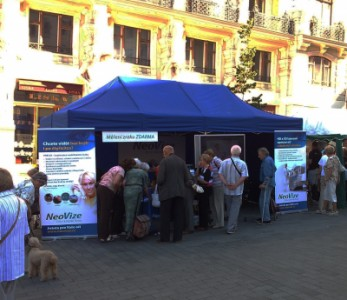 Svátek seniorů Brno 2011 - Oční klinika NeoVize