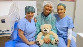 Naše kolegyně Míša po laserové operaci očí
