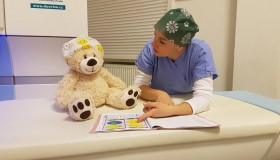 Bruno dostal speciální výcvik. Pacientům pomáhá zbavit se stresu