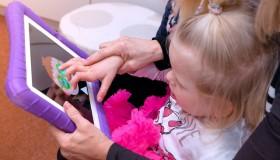 DuoVize přispěla na nákup iPadů pro děti s očním onemocněním