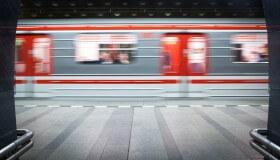 Pozor! Plánovaná letní výluka metra mezi stanicemi Pražského Povstání a Kačerov