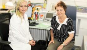 Profesorka Drahoslava Hrubá učila naše lékaře, teď se u nás nechala operovat