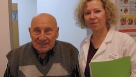 Otec herce Pavla Zedníčka u nás podstoupil operaci katarakty