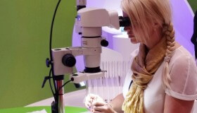 Metoda Raindrop nadchla oční chirurgy na mezinárodním kongrese v Londýně