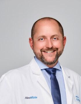 MUDr. Radovan Piovarči - Oční klinika NeoVize