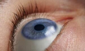 Očím musíme odlehčit! Oční víčka se operují o 40% více než v minulých letech