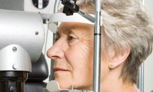 """K oční operaci přistupujte jako """"architekti"""" svého zraku"""